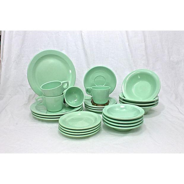 1950s Boontonware melamine, Melmarc 24 pieces setting for 4. Maker's mark on underside. 4 lunch plates, 8.75 inch dia; 4...