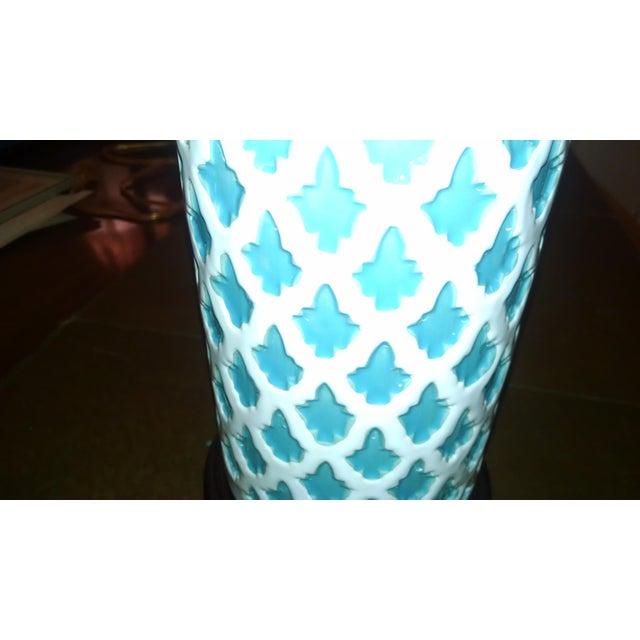 Aqua & White Ceramic Table Lamp - Image 4 of 7