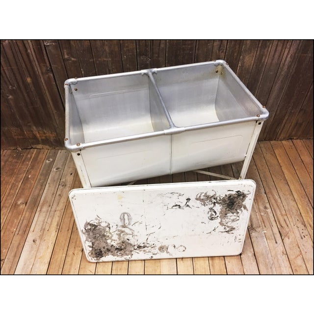 Vintage White Double Basin Metal Wash Tub with Stand - Image 11 of 11