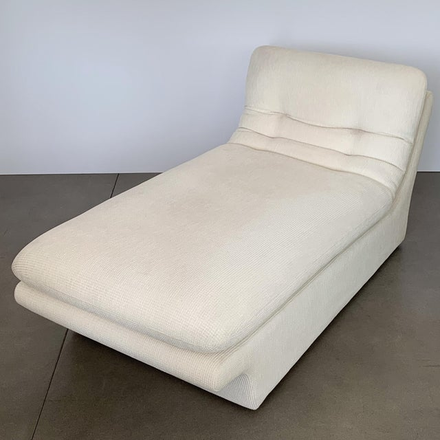 1980s Modernist Fully Upholstered Chaise Lounge by Preview For Sale - Image 5 of 13