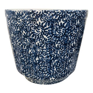 Early 20th Century English Blue and White Cache Pot For Sale