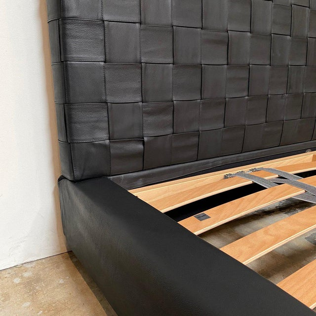 Minotti 'Bartlett' Black Leather Cal King Bedframe For Sale In Los Angeles - Image 6 of 9