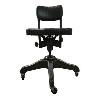 Industrial GoodForm Tanker Chair for General Fireproofing For Sale