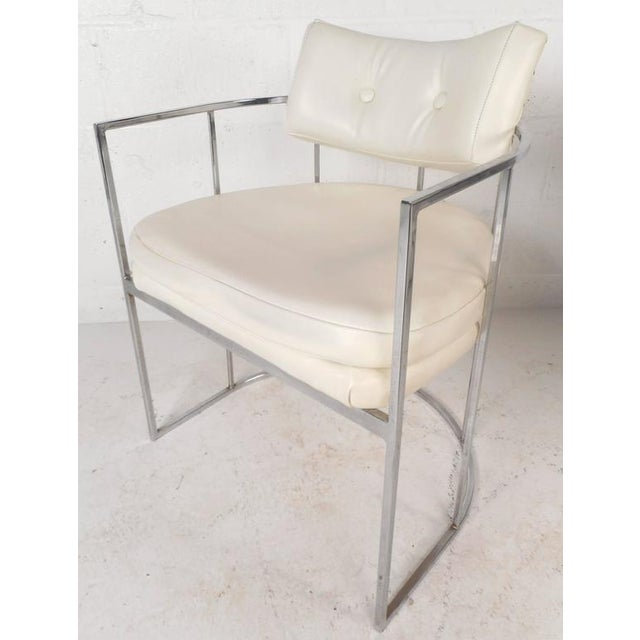 Set of Mid-Century Modern Dining Chairs in the Style of Milo Baughman For Sale - Image 9 of 11
