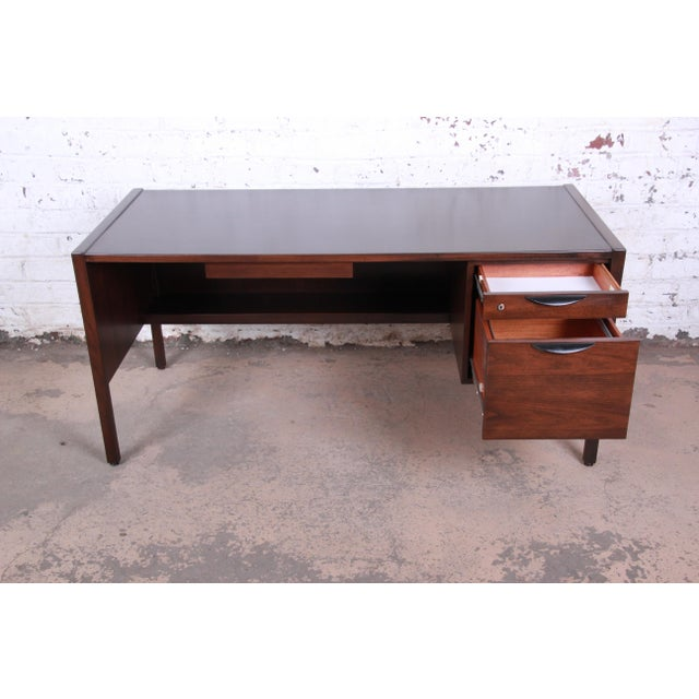 Jens Risom Mid-Century Modern Walnut Executive Desk, 1960s For Sale In South Bend - Image 6 of 13