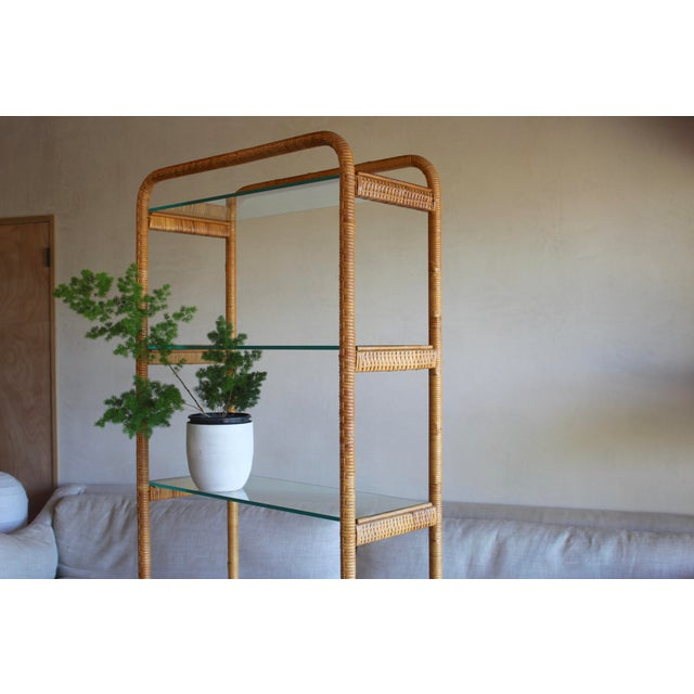 Franco Albini 1970s Vintage Milo Baughman Style Italian Rattan Wrapped Cane Bookcase Etagere Wall Unit For Sale - Image 4 of 13