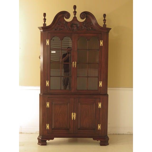 Henkel Harris Mahogany Welford Corner Cabinet - Image 2 of 11