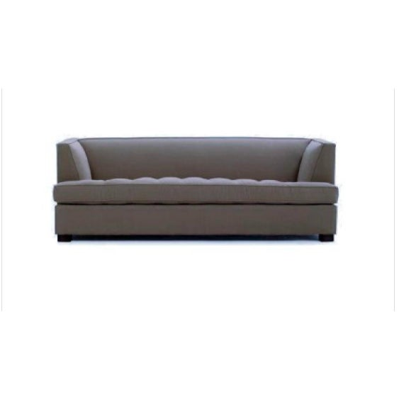 comfortable and beautifully well kept contemporary sofa bed. Great accent in every rooms.