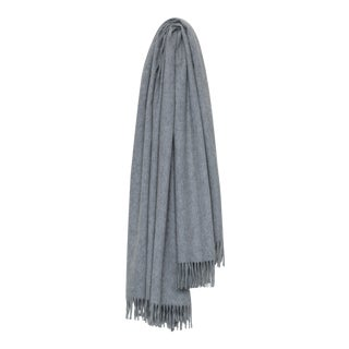 Arran Plain Cashmere Throw, Light Gray For Sale