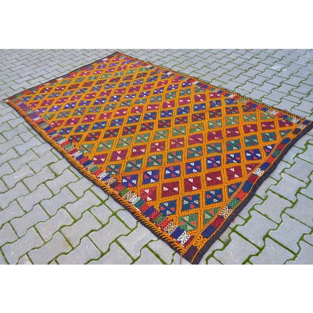 Handwoven Turkish Kilim Rug. Traditional Oushak Area Rug Braided Kilim - 5′6″ X 8′6″ For Sale - Image 4 of 10