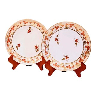 Pair of English Derby Grape Vine Pattern Porcelain Plates, Ca. 1810 For Sale