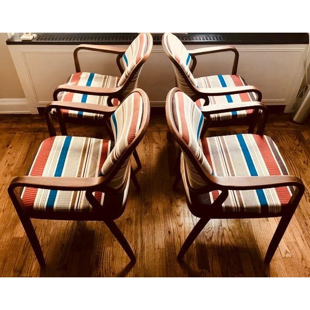Mid-Century Modern 1970s Knoll Mid-Century Modern Chairs - Set of 4 For Sale - Image 3 of 10