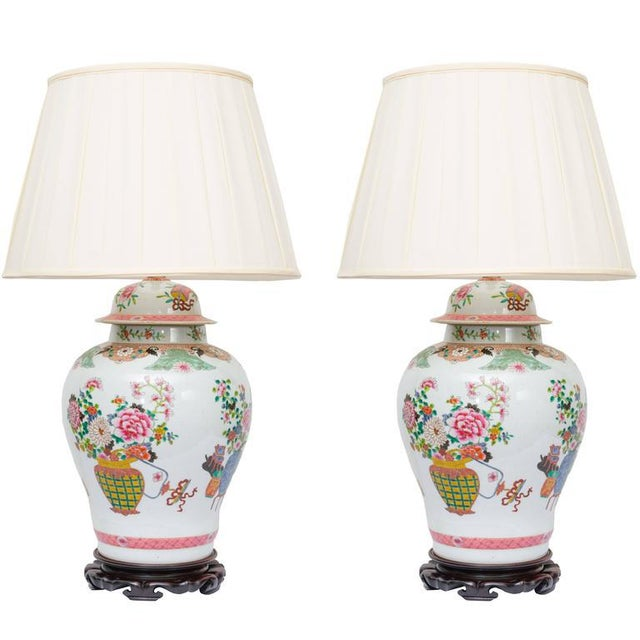 1980s Pair of Chinese Urn Lamps on Scalloped Bases For Sale - Image 5 of 5