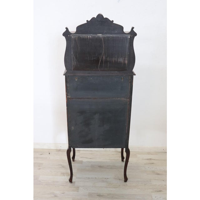 Late 19th Century 19th Century English Mahogany Carved Antique Vitrine or Display Cabinet For Sale - Image 5 of 11