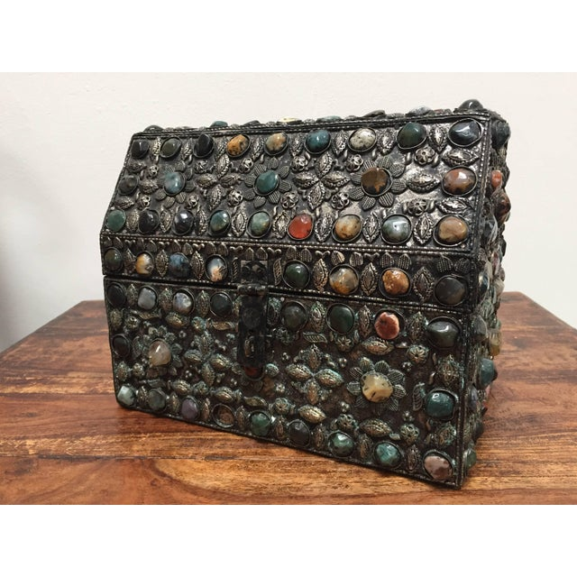 Large Moroccan Wedding Silvered Jewelry Box Inlaid With Semi-Precious Stones For Sale - Image 13 of 13
