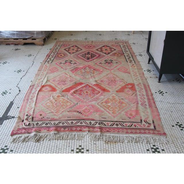 "Pink Kilim Flat Weave Rug- 5' x 9'4"" - Image 3 of 9"