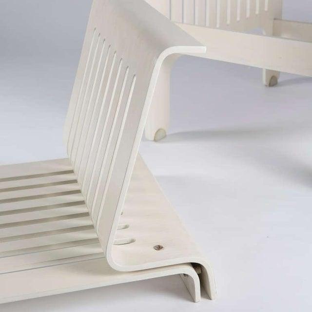 """White Impressive """"Triennale"""" Armchairs by Ammannati and Vitelli for Rossi di Albizzate For Sale - Image 8 of 10"""