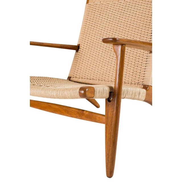 Hans Wegner Ch-25 Lounge Chair For Sale - Image 9 of 10