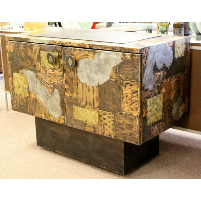 Directional Mid Century Modern Paul Evans Directional Slate Top Copper Patchwork Cabinet 1960s For Sale - Image 4 of 12