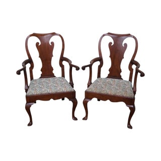 Kittinger Colonial Williamsburg Pair of Mahogany 18th Century Style Queen Anne Arm Chairs For Sale