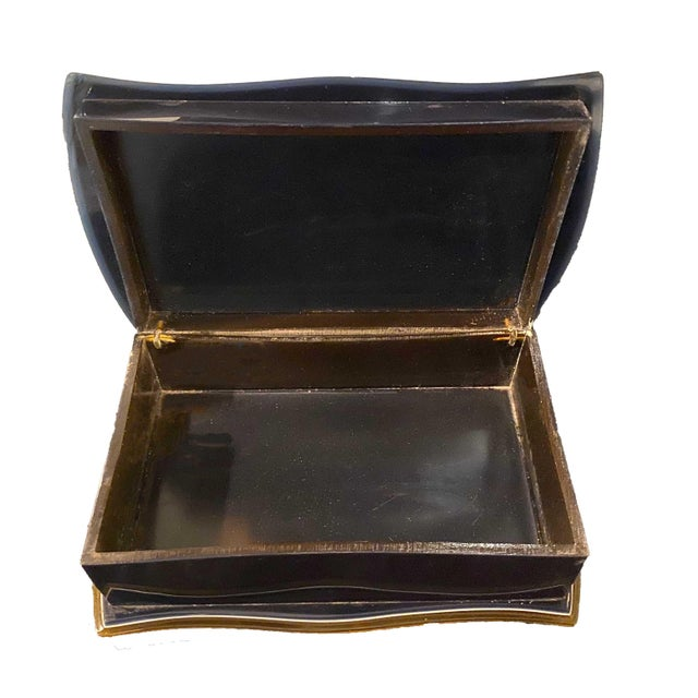 Mid 20th Century Navy Blue and Gold Bakelite Box For Sale - Image 4 of 7
