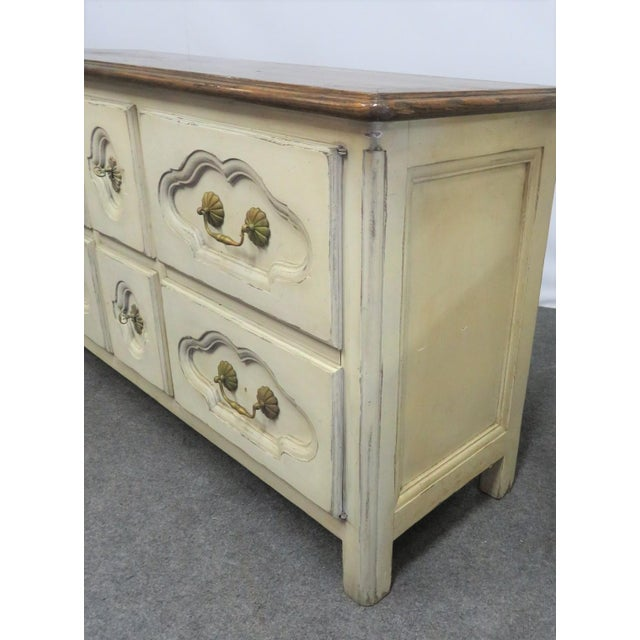 French Style Cream Painted Commode For Sale - Image 4 of 9