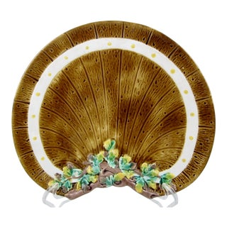 English Barrel & Ivy Crescent Brown-Westhead Moore Majolica Plate For Sale