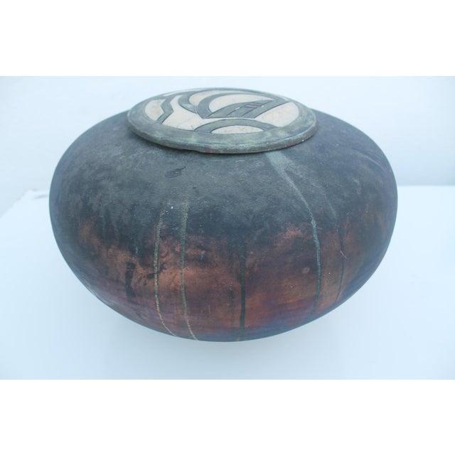 Vintage Studio Pottery Decorative Vase - Image 5 of 11