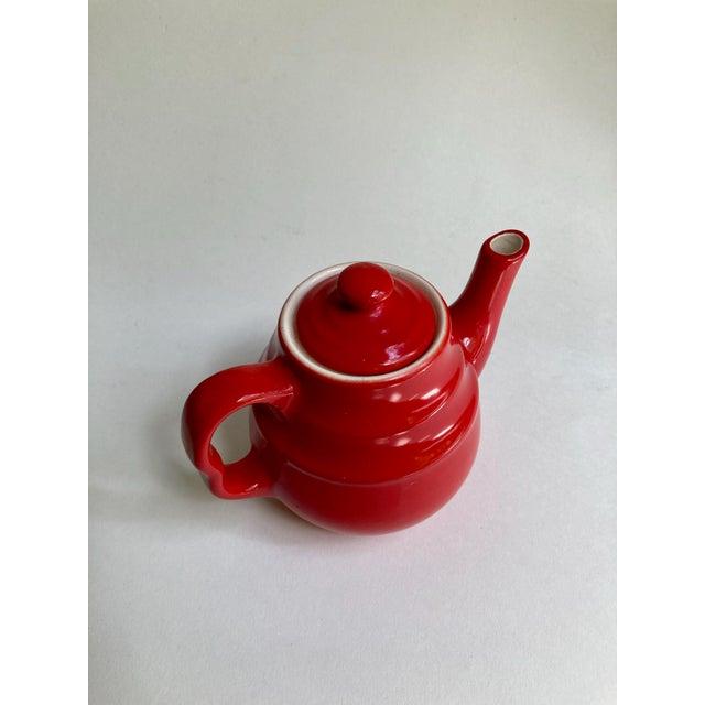 Universal Cambridge Red Ceramic Beehive Tea Pot For Sale In New York - Image 6 of 13