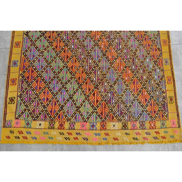 Hand Woven Vintage Turkish Kilim Rug. Wool Braided Area Rug Kilim Jajim- 5′5″ × 7′ For Sale In Raleigh - Image 6 of 9