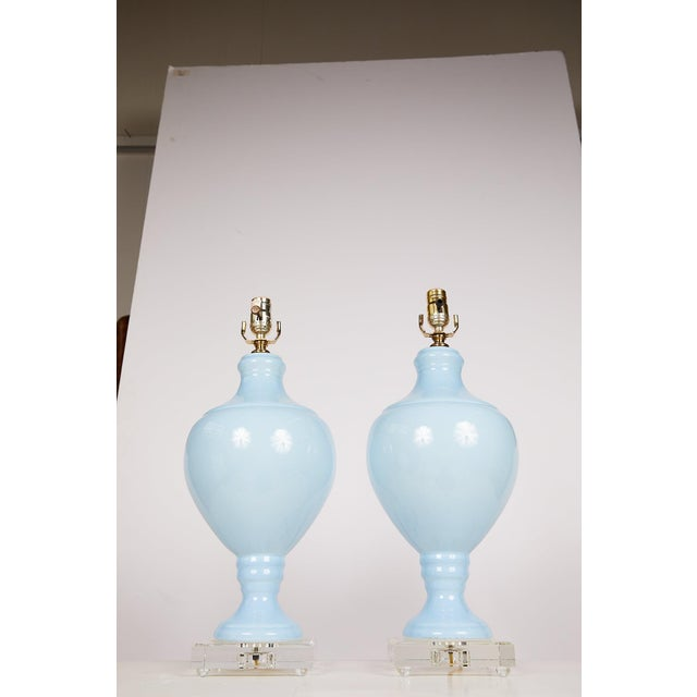 Baby Blue Pair of Blue Porcelain Urn Lamps on Lucite Bases For Sale - Image 8 of 10