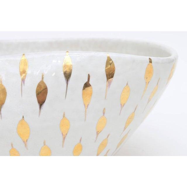 Italian Aldo Londi for Bitossi Gold Painted White Ceramic Bowl Vintage For Sale - Image 3 of 11
