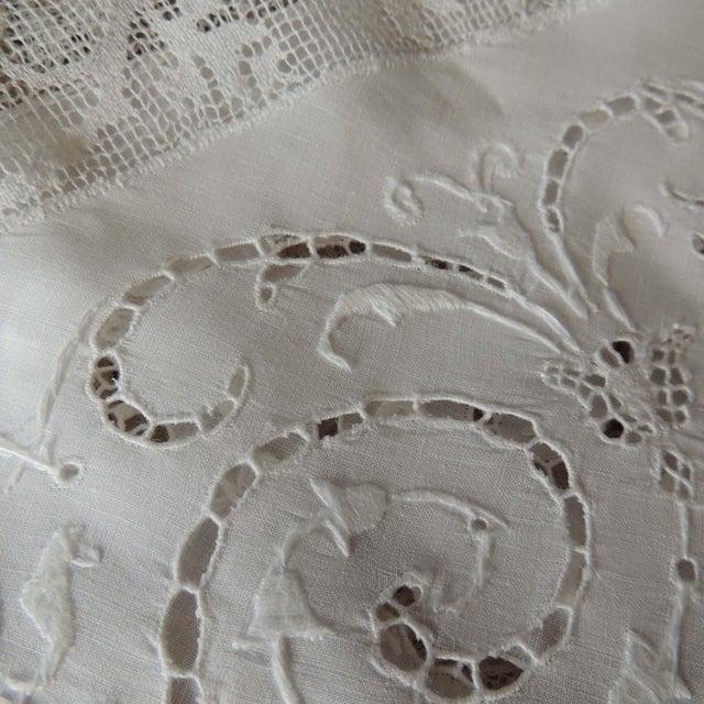 Antique Round Figural Needle Lace Point De Venise Tablecloth With Cherubs For Sale - Image 9 of 11