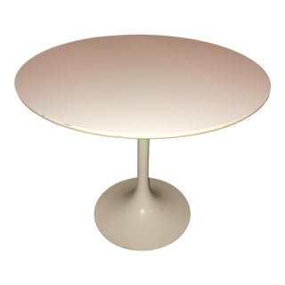 1970s Vintage Burke Saarinen Style Tulip Table For Sale