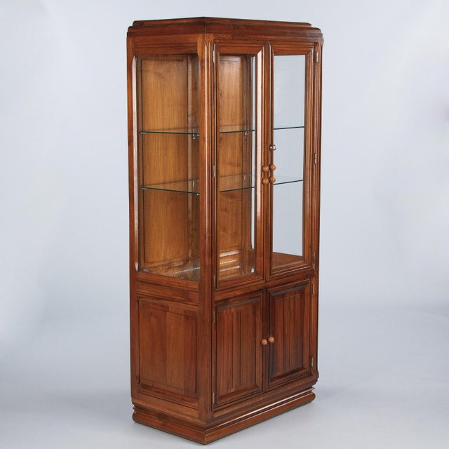 Art Deco 1930s Art Deco Walnut Vitrine/Display Cabinet For Sale - Image 3 of 13