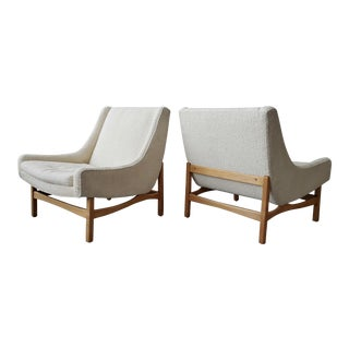 Pair of Midcentury Scoop Lounge Chairs For Sale
