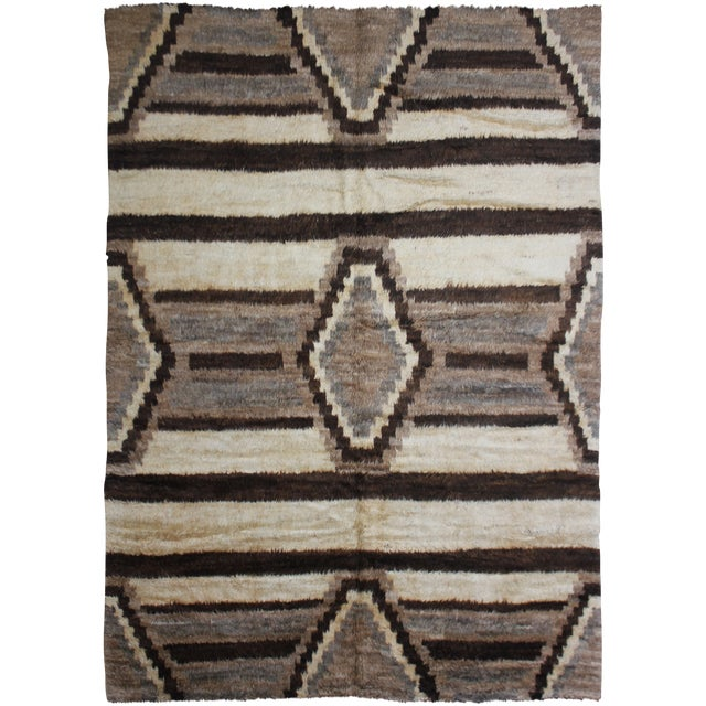 "Hand Knotted Navajo Style Rug - 9'10"" x 8'3"" For Sale"