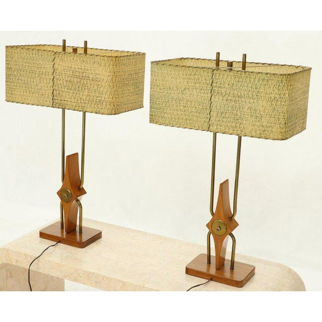 Mid-Century Modern Pair of Walnut and Brass Diamond Pattern Table Lamps For Sale - Image 3 of 13