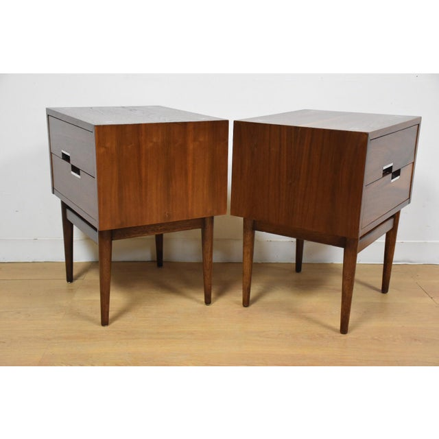 American of Martinsville Walnut Nightstands - A Pair - Image 4 of 9