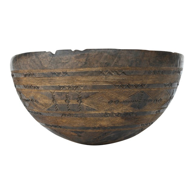 African Tuareg Wood Carved Bowl For Sale