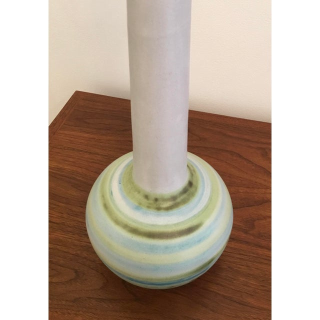 Mid-Century Modern Ceramic Table Lamp by Martz For Sale In New York - Image 6 of 11