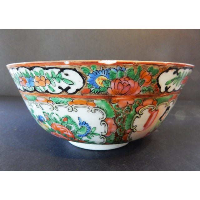 Asian Antique Chinese Export Porcelain Rose Medallion Bowl For Sale - Image 3 of 11