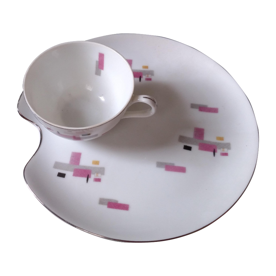 Vintage Dessert Plates u0026 Tea Cups - Set ...  sc 1 st  Chairish & Vintage Japanese Porcelain Tea Cup u0026 Dessert Plates - Set of 7 ...