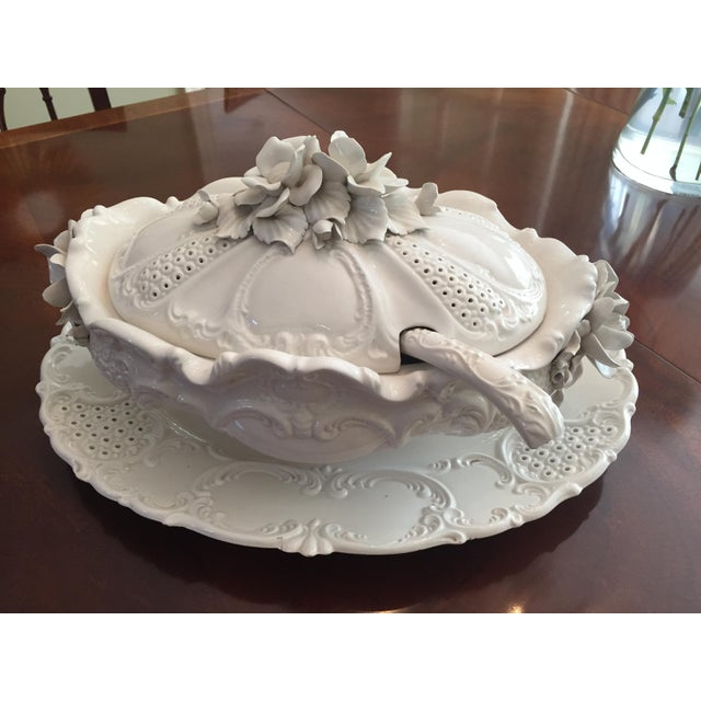 Clay Mid -Century Italian Ardalt Fiori Bianco Tureen, Platter and Ladle For Sale - Image 7 of 13