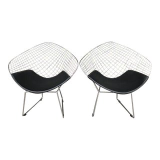 Mid Century Modern Pair of Daimond Launge Chairs For Sale