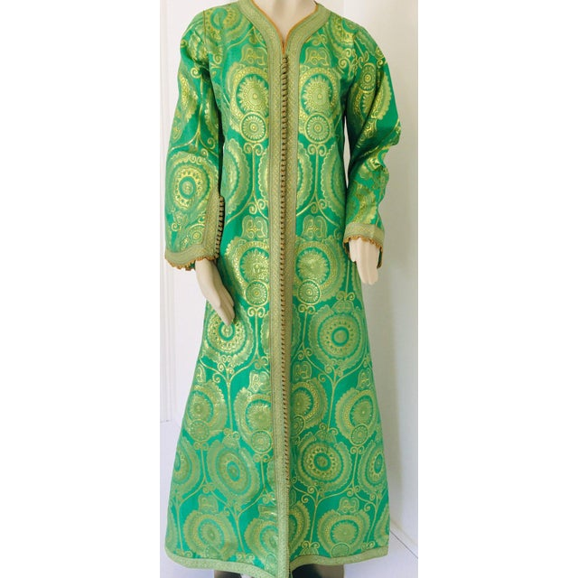 Elegant Moroccan Caftan Lime Green and Gold Metallic Floral Brocade For Sale - Image 9 of 13