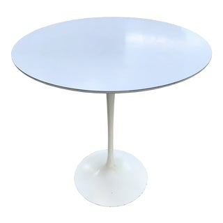 1970s Mid-Century Modern Eero Saarinen for Knoll White Tulip Side Table For Sale