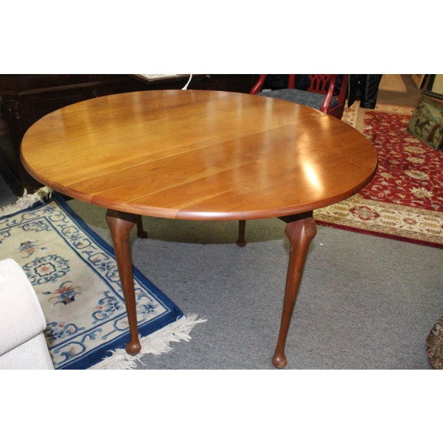 20th Century Traditional Light Cherry Drop Leaf Table For Sale In New York - Image 6 of 7