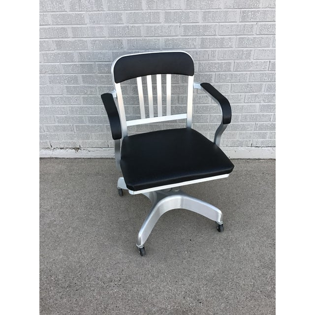 Mid-Century Modern Vintage Emeco Rolling Office Chair For Sale - Image 3 of 13