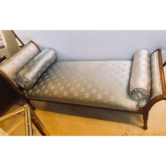 Louis XVI Fine Louis XVI Style Chaise Longue in Celeste Blue Upholstery For Sale - Image 3 of 13